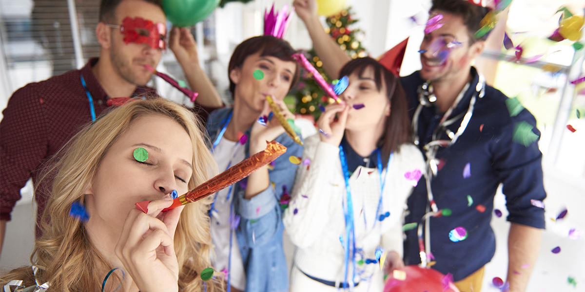 Beneficios de organizar una fiesta de fin de año